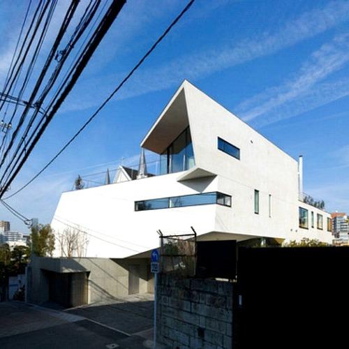 고급스러움이 담긴 도쿄의 화이트주택
