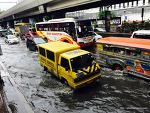 8월, 필리핀에는 장마철이다.