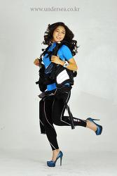 Cover model shoot for Undersea Travel Magazine 9/10