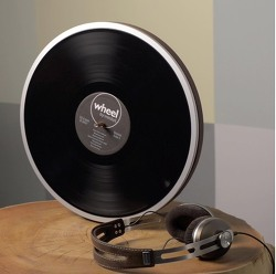 핀이 보이지 않는 신기한 Wheel 레코드 턴테이블