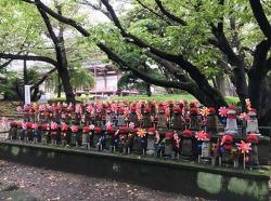 [버락킴의 일본 여행기 ②] 6. 조조지, 빨간 모자를 쓴 아기 석상들의 바람개비