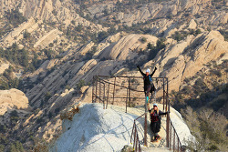 데블스펀치볼(Devil's Punchbowl) LA카운티 공원의 데블스체어 트레일(Devil's Chair Trail) 하이킹