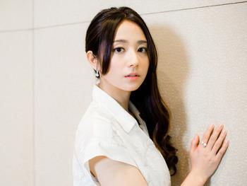 일본의 신예여배우 키무라 후미노