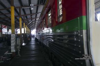 17년 9월 - 태국 - 사뭇 송크람 - 매크롱 철길 시장 ( Maeklong Railway Market , ตลาดแม่กลอง (Rom Hoop Market) )