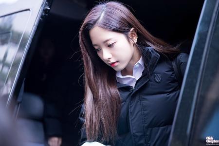 [PHOTO] 170203 뮤직뱅크 - 우주소녀 by Girls Grapher