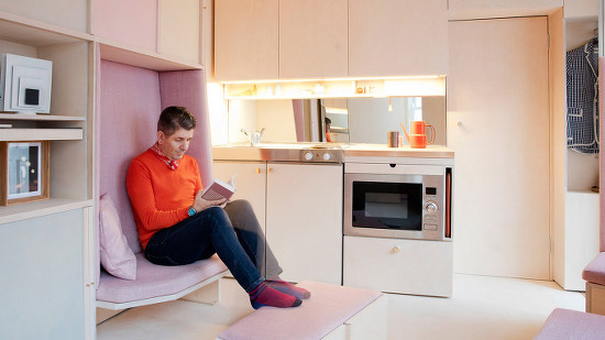 *런던 4평 협소주택 Studiomama uses adaptable furniture to create what might be London's smallest house