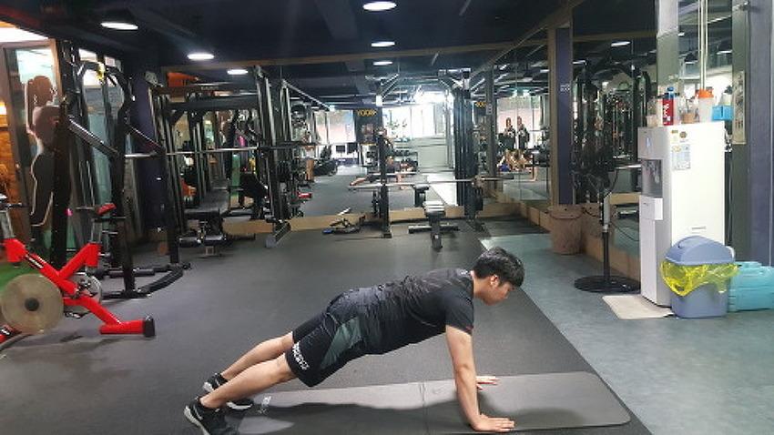 """다이어트의 계절, 맨몸 전신운동으로 """"체지방 태우기"""""""