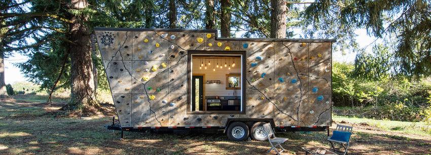 *모바일하우스 트레일러 하우스 tiny heirloom clads mobile home with reconfigurable rock climbing wall