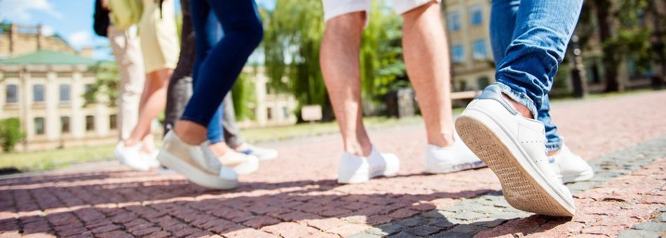 봄 여행자를 위한 족저근막염 초기증상과 예방법