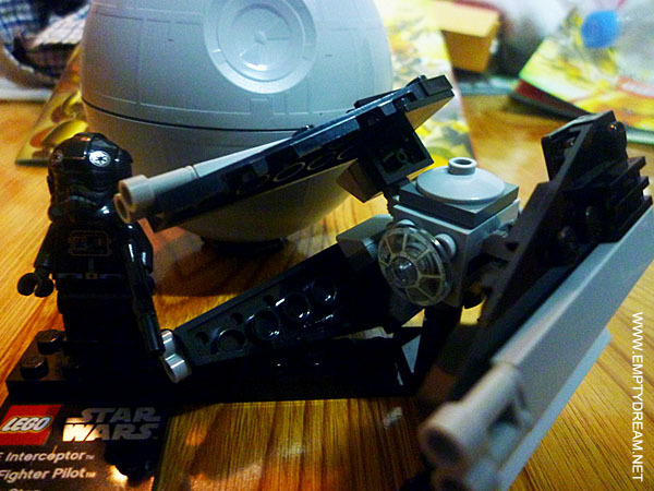 레고 스타워즈 시리즈: 타이 인터셉터 & 죽음의 별 (TIE Interceptor & Death Star)
