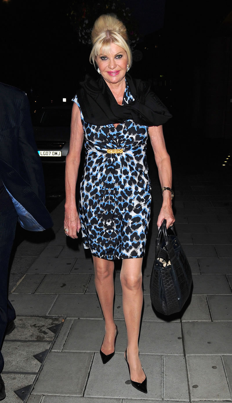 Fashion Style Gossip Man Paparazzi Photos Ivana Trump Phoebe Cates Jeff Goldblum