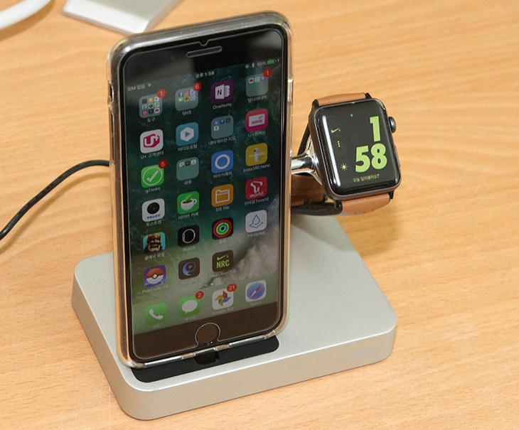 벨킨, Valet, 애플워치, 아이폰, 충전, 거치대, 독, 사용기,IT,IT 제품리뷰,상당히 세련되고 이쁜 제품 이었습니다. 애플 제품을 쓴다면 안쓸 수 없는 제품 인데요. 벨킨 Valet 애플워치 아이폰 충전 거치대 독 사용을 해 봤습니다. 스마트폰과 워치를 같이 사용한다면 그리고 좀 폼나게 충전하고 싶다면 괜찮은 제품이죠. 벨킨 Valet 애플워치 아이폰 충전 거치대 독은 알루미늄 몸체 부분에 크롬 도금한 얇은 부분을 덧대어서 평소에는 상당히 심플하면서도 필요할때에는 제품을 상당히 멋지게 충전할 수 있는 제품 입니다. 그리고 디자인도 우수하죠.