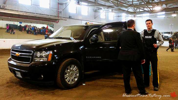 캐나다 총리의 방탄 차량 입니다