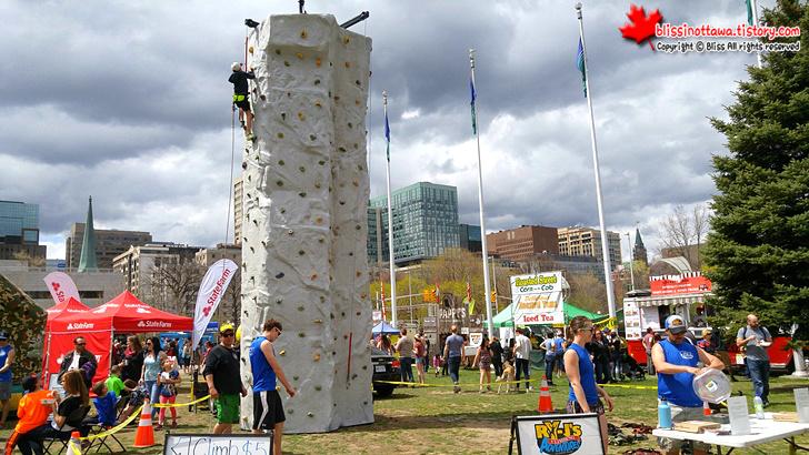 캐나다 축제 암벽 타기
