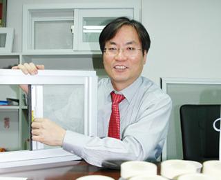 나노섬유기술과 무기항균제기술 접목한 나노방진망 사진
