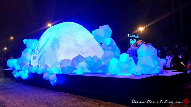 북극 이글루와 빙하 모습입니다