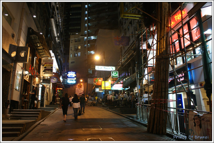 [BP/HK/0810-4] 란콰이퐁. 완탕면...