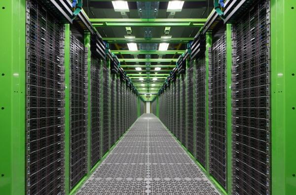 NHN, 최첨단 데이터센터 '각(閣)'