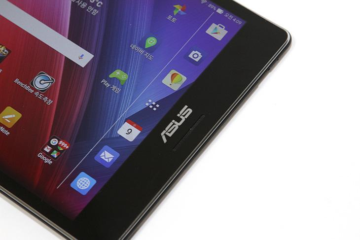 아수스, 젠패드S, 8.0, 리뷰, ASUS, Zenpad S, 8.0 ,특장점,IT,IT 제품리뷰,후기,사용기,아수스 젠패드S 8.0 리뷰,리뷰,얇고 성능이 좋으면서 휴대하기 좋은 태블릿. 에이수스의 태빌릿이 그런 제품이었는데요. ASUS ZenPad S 8.0 리뷰를 통해서 이 제품의 특징들 그리고 실제로 사용해보면서 어느부분이 편했는지 살펴보겠습니다. 가장 맘에 들었던 것은 얇고 화면의 반응 속도가 좋았다는 것 인데요. 클래시오브클랜 게임을 할 때 상당히 좋더군요. 이 제품은 특이하게 화면이 8인치 2K QXGA 해상도(2048x1536) 입니다. ASUS ZenPad S 8.0 리뷰 편에서 이 화면에 대해서 자세히 알아볼텐데요. 화면이 위아래로 좀 더 긴 형태 입니다. 그래서 실제로 사용시 웹툰보기나 게임할 때 좀 더 좋았습니다. 더 넓게 볼 수 있어서이죠. 그런데도 가볍습니다.