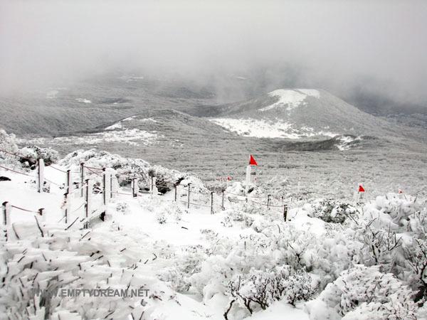 눈꽃 내린 겨울철 한라산, 어리목 영실 코스 산행 - 4 윗세오름, 선작지왓