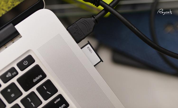 트레센드 SD jetDrive LITE 350 맥북에 삽입