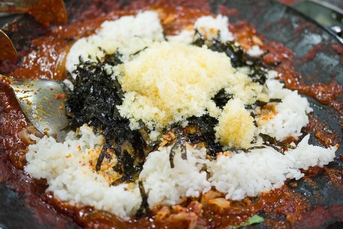 [홍대 맛집] 독도쭈꾸미 - 쭈꾸미와 삼겹살의 매콤 쫄깃한 만남!