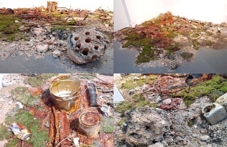 전시3 - 설치미술 : 사용되고 버려진 물건들을 가지고, <에너지의 소멸과 재생>이라는 주제를 담아낸 설치미술 작품(전체와 부분)